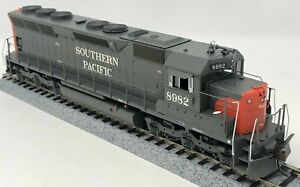 Athearn HO EMD SD45 As Delivered Southern Pacific SP #8982 DC ATH95413