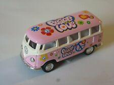 Modellauto VW Bus Bulli  rosa 1962 Love & Peace WELLY 1:64 NEU OVP Spielzeugauto