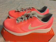 Nike Girls Revolution 3 Se (Gs) Running Shoe Size 6Y Neon Pink 859602 600