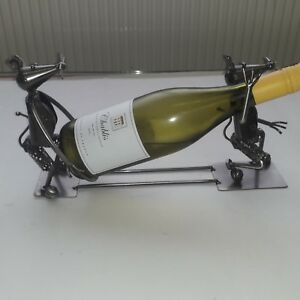 COLLECTABLES --- UNIQUE NOVELTY METAL MOUSE BOTTLE DISPLAY RACK