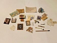 MIXED LOT OF STUDY ACCESSORIES FOR A 1/12 SCALE DOLLS HOUSE