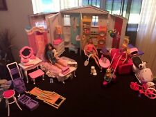 Barbie Totally Real Folding Doll House 2005 Furniture dolls and moor! Girls Toys