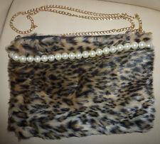 ❤️ Tasche Handtasche Umhängetasche Clutch Leo Leoparden Fake Fell Perlen NEU ❤️