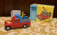 Corgi Toys No. 487 Chipperfields Circus Land Rover Parade Vehicle w/Box!