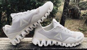 Mens Reebok Zigtech Shoes Size 10 White Logo. EUC