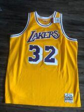 Mitchell & Ness Magic Johnson 32 Los Angeles Lakers Hardwood Classic Swingman LA