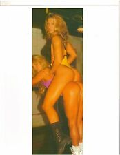 Female Bodybuilders from Gold's Gym Ride A Pony Bodybuilding Muscle Photo Color