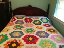 Flower Garden Pattern Hand Quilted Quilt   NEVER Used