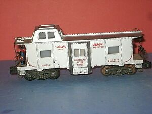 American Flyer #25052 Bay Window Operating Brakeman caboose, silver w/issues  bd