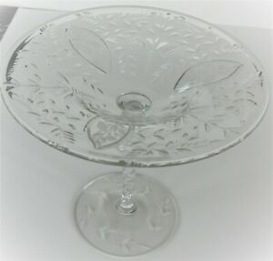 """VINTAGE ELEGANT ETCHED CLEAR GLASS COMPOTE TAZZA 6 1/2""""H GLOWS YELLOW w/BLACK LT"""