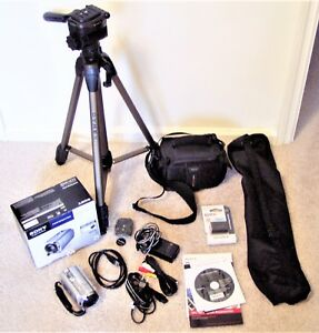 SONY Handycam DCR-SR68 Complete Outfit with Tripod!