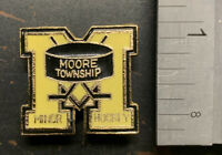 Moore Township Ontario Minor Hockey Vintage Metal Enamel Pin - VG Condition