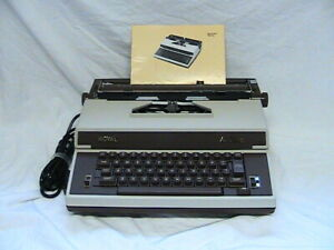 1 USED ROYAL ACADEMY ELECTRIC TYPEWRITER