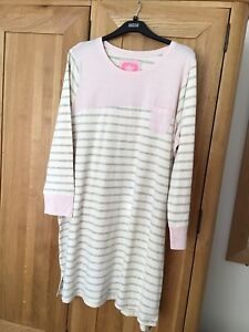 Marks And Spencer Ladies Nightdress 22