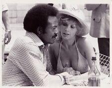 1972 Vintage Press photograph JIM BROWN & STELLA STEVENS  - UPI Photo