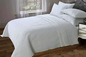 King Size White Bedspread Throw Quilted Comforter & Pillow Shams 240x260cm