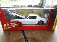 Johnny Lightning 1970 Pontiac Firebird Trans AM 1:24 Scale Diecast Model Car