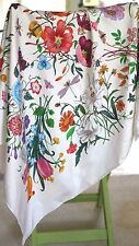 Gucci-Silk Scarf-blanc printemps Bouquet Multi Floral Design-Rolled Bords