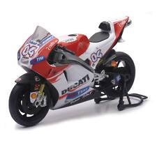 2015 Ducati Andrea Dovsios1:12 Race Bike Replica Model by New Ray 57723