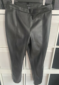 New Look Ladies Faux Leather Side Zip Fastening Size 14UK Black Trousers
