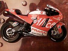 Ducati Desmosdici GP8 * A. Elias * MotoGP 2008 * 1:12 Minichamps122080024