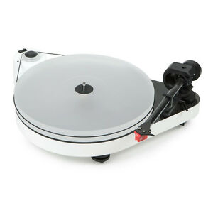 Pro-Ject RPM 5 Carbon Turntable (White) Incl. Ortofon Quintet Red