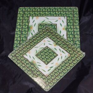 Temp-tations by Tara Old World Poinsettia Green 2 Glass Trivets Square Hot Pads