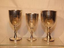 3 Coupes calices en métal argenté anglais - Trophées années 30 - dont Guernsey