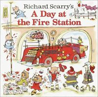 Richard Scarrys A Day at the Fire Station (Pictureback(R)) by Richard Scarry