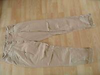 MADONNA Chino Pants beige Gr. M TOP (KB814)
