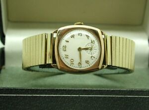 1930's Gents 9ct Rose Gold Cushion Shaped Bracelet Watch