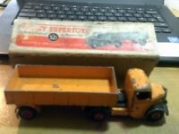 Boxed Dinky Toys 521 Bedford Yellow Articulated Lorry Original. Made in England.