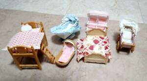 Sylvanian Families BEDS AND BABY CRADLE Epoch Japan Calico Critters