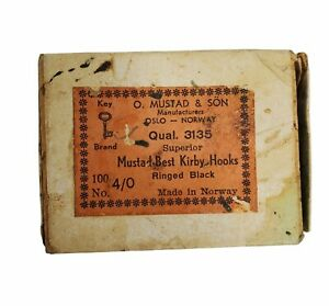 VINTAGE O.MUSTAD & SON 100 #3135 - No.4/0 Hooks Ringed Black Best Kirby Norway