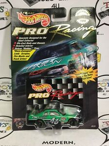 Hot Wheels Trading Paint 1998 PRO Racing #46