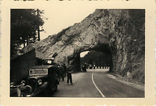 PHOTO ANCIENNE - VINTAGE SNAPSHOT - ROCHER DU DIABLE COL DE LA SCHLUCHT VOITURE
