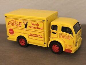 Danbury Mint 1955 Coca-Cola Delivery Truck Yellow 1:24 Scale White Motor Co.