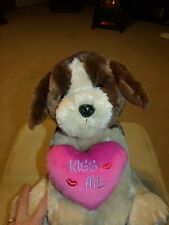 """Valentines Plush Brown Dog w/Pink """"Kiss Me"""" Heart 14"""" Great Gift Age 3+ Euc"""