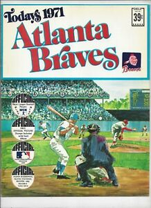 1971 TODAYS ATLANTA BRAVES  DELL TEAM STAMPS ALBUM BOOK