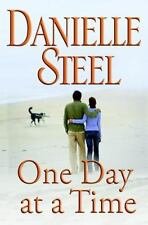 One Day at a Time by Danielle Steel (2009, Hardcover)