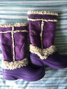 Girls purple Croc Boots Size J1 3 (UK 2?)
