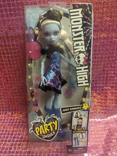 New MONSTER HIGH Party Ghoul ABBEY BOMINABLE Barbie Doll Snap-In Accessories 6+