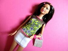 Barbie Fashionistas CLN62 Puppe mit gelbem Blumen Shirt braunhaarig NEU