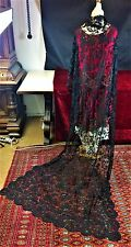 GREAT MANTILLA SHAWL. HAND EMBROIDERY ON THULE. SILK- VISCOSE. SPAIN. CIRCA 1930