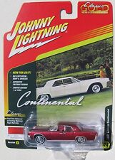 JOHNNY LIGHTNING 2017 CLASSIC GOLD 1961 LINCOLN CONTINENTAL #2D 1 OF 1256