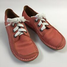 Clarks Funny Dream Artisan Nubuck Leather Lace Up Shoe in Coral UK size 6