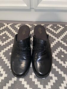 Clarks Bendables Black Heeled Mules in Size 10-EUC