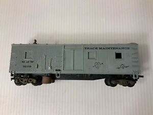 A129-HO Scale Silver Revell 1958 Cleaning Car