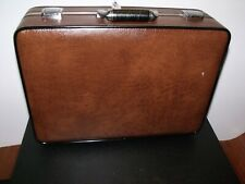 * Top Quality Leatherette, Lockable, Suitcase Style Tool Case *