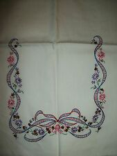 "VINTAGE  UNFINISHED  EMBROIDERED TABLE RUNNER  FLORAL & RIBBON DESIGN  12""x 39"""
